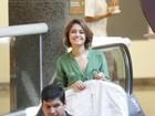 Sem o namorado, Sophie Charlotte faz compras em shopping carioca