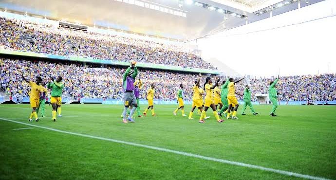 Jogadoras do Zimbábue agradecem o apoio dos brasileiros (Foto: Marcos Ribolli)