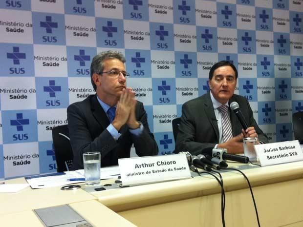 O ministro da Saúde, Arthur Chioro, e o secretário em Vigilância em Saúde, Jarbas Barbosa, durante entrevista (Foto: Gabriel Luiz/G1)