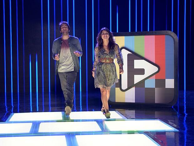 """Davi e Manu anunciam o desafio 5 do Filma-e: """"Torcedor animal"""" (Foto: Parker TV)"""