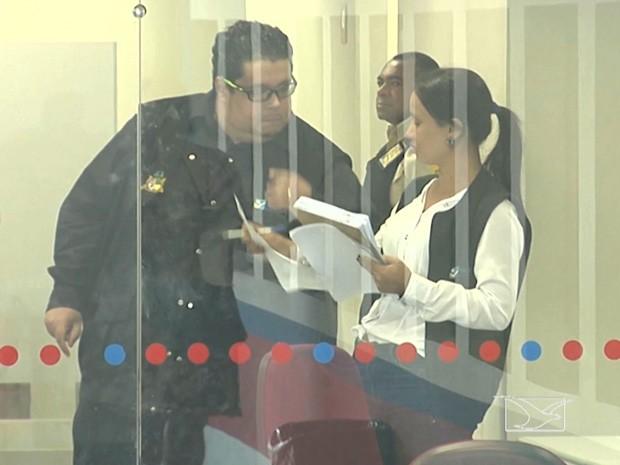 Fiscais do Procon realizam fiscalização em agências bancárias de Codó, MA (Foto: Reprodução/TV Mirante)