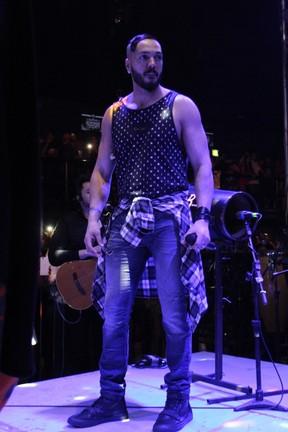 Belo em show na Zona Norte do Rio (Foto: Anderson Borde/ Ag. News)
