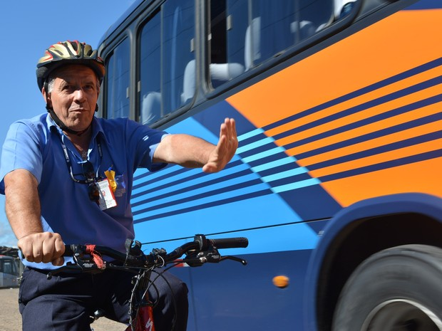 Motoristas trocam assento de banco de ônibus por bicicletas em Mogi (Foto: Maiara Barbosa/ G1)