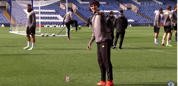 David Luiz em vídeo no Youtube (Foto: reprodução )