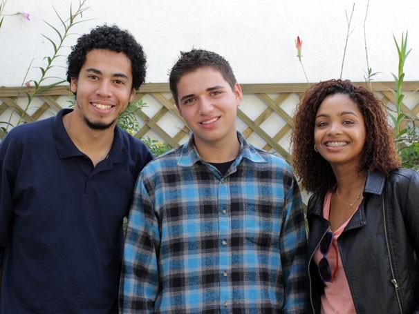 Romario Regis, Leandro Elias e Eva Paula se conheceram durante uma visita do jovem ao Rio de Janeiro (Foto: Divulgação)