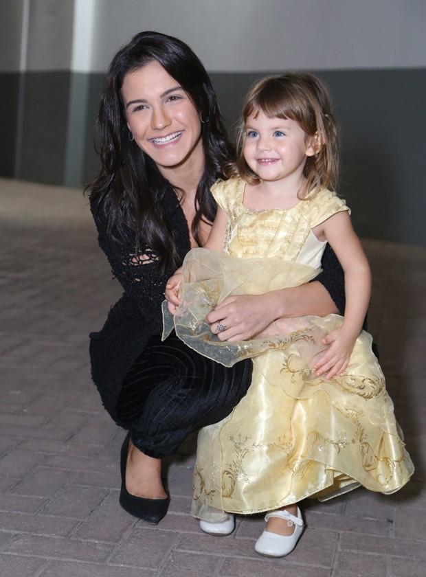 Kyra Gracie com a primogênita, Ayra (Foto: Anderson Borde/AgNews)