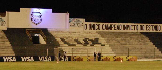 Estádio Presidente Vargas, Treze (Foto: Silas Batista / GloboEsporte.com)