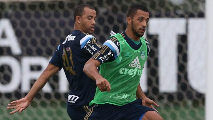 Roger Carvalho Vitor Hugo Palmeiras (Foto: César Greco / Ag. Palmeiras / Divulgação)