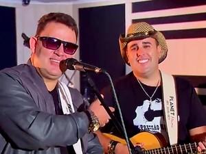 A dupla Ênio Lima e Gustavo Neto, atração do Encontro de Violeiros do DF (Foto: TV Globo/Reprodução)