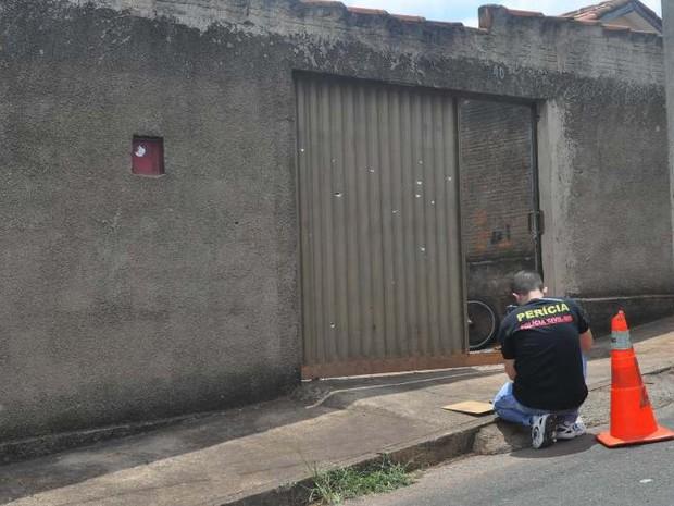 Tiros Portão Patos de Minas (Foto: Toninho Cury/ Arquivo Pessoal)