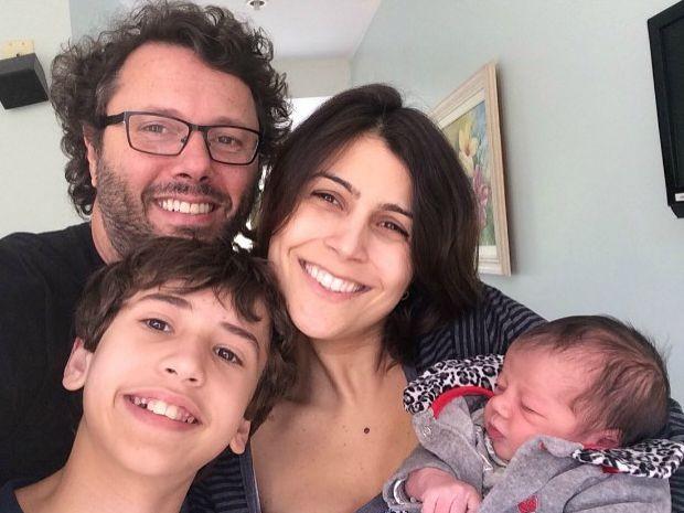 Duca postou foto com a família para anunciar nascimento (Foto: Reprodução/Instagram)