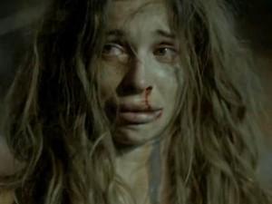 Depois de sofrer abuso cracolândia, Larissa impora ajuda (Foto: TV Globo)