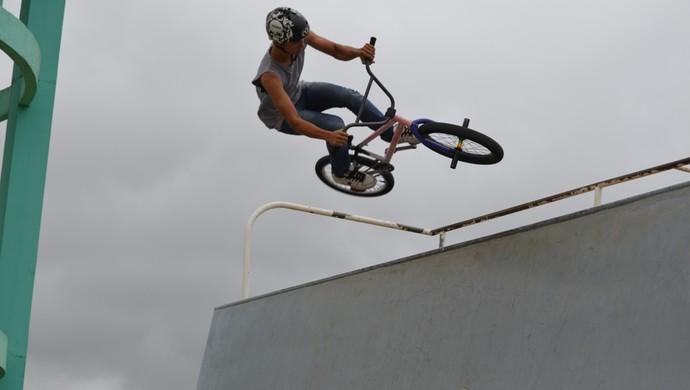 Prática do BMX começa a se destacar na cidade de Vilhena (Foto: Jonatas Boni)