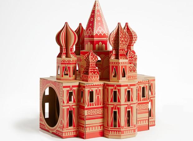 Inspirada na Catedral ortodoxa de São Basílio, na Rússia, a casa mede 65 x 66 x 80 cm (Foto: Divulgação)