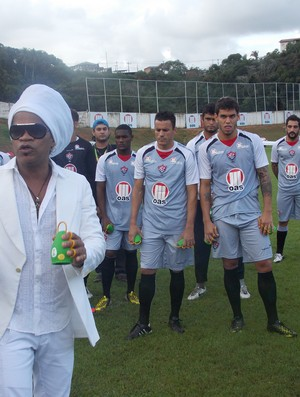 CArlinhos Brown caxirola (Foto: Thiago Pereira)