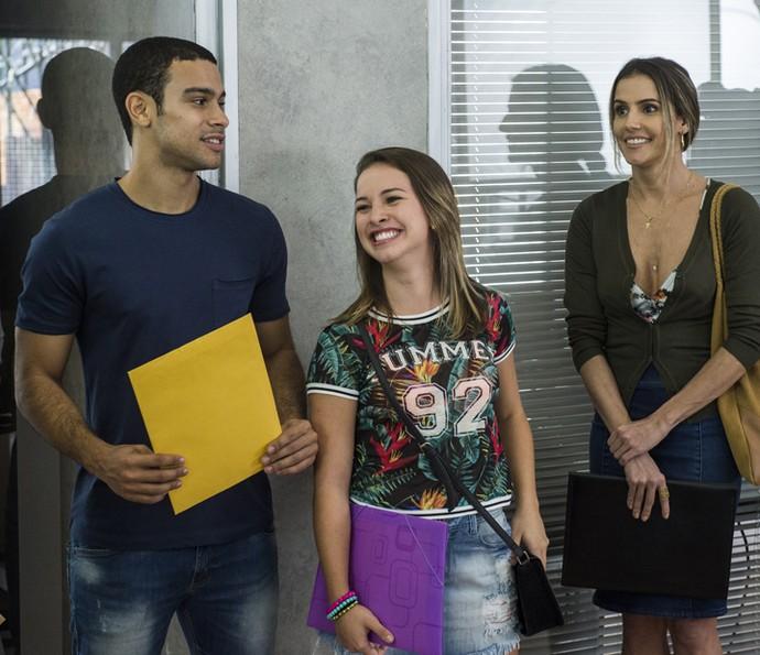 Laryssa Ayres contracena com Sérgio Malheiros, como Jéssica e Belloto, nas primeiras cenas de 'Pro Dia Nascer Feliz' (Foto: TV Globo/Estevam Avellar)