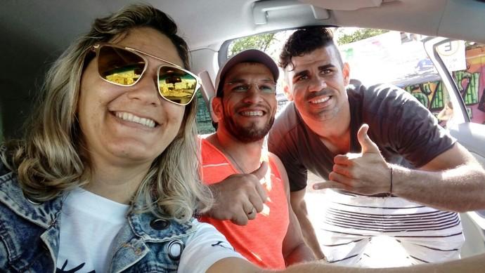 Selfie com Diego Costa (Foto: Reprodução/Facebook)