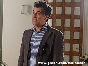 Caetano não entende o motivo da raiva de Berna (Foto: Malhação / TV Globo)