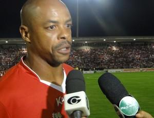 Denílson CRB  (Foto: Viviane Leão/GLOBOESPORTE.COM)