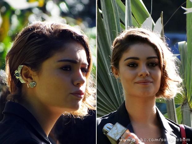 Amora e seu 'ear cuff' luxo! (Foto: Sangue Bom/TV Globo)