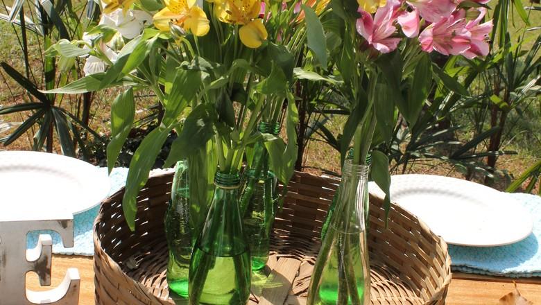 garrafas de plástico vaso (Foto: Marina Salles/ Ed. Globo)