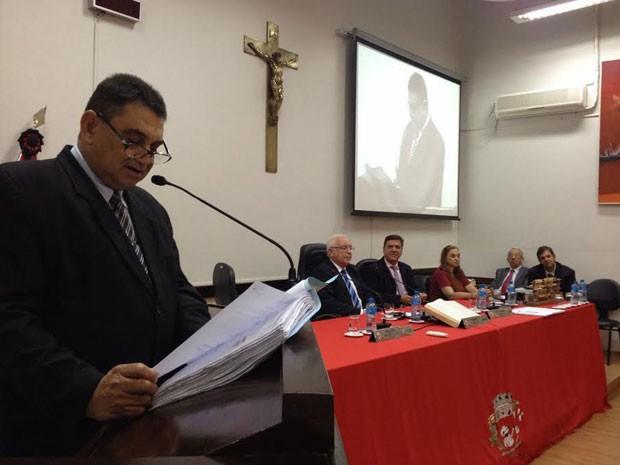 Sessão foi interrompida durante a leitura do processo pelo vereador Izaque Silva (PSDB) (Foto: Heloise Hamada/G1)