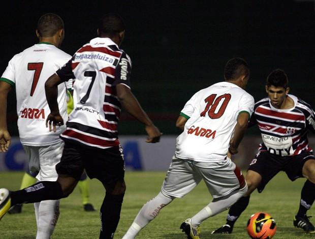 Feirense x SantaCruz (Foto: Luiz Tito / Ag. Estado)