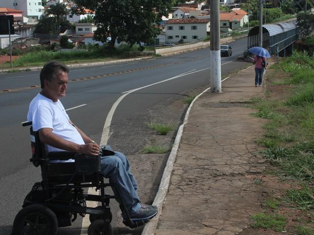Sem rampa Araxá (Foto: Maritza Borges)