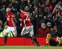 Mata e Fellaini marcam, e United abre vantagem na semi da Copa da Liga