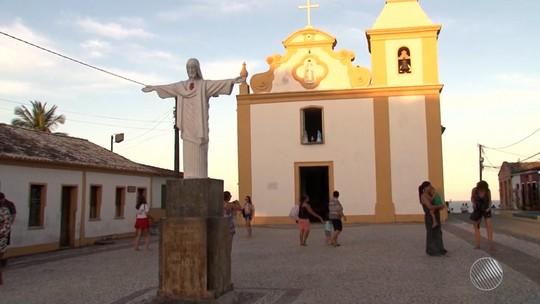 Verão em Arraial D'Ajuda, na Bahia, atrai turistas do mundo todo