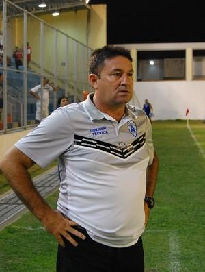 Jorge Pinheiro, técnico do Atlético de Cajazeiras (Foto: Lucas Barros / Globoesporte.com/pb)