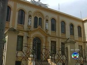 Em Itapetininga, escola Peixoto Gomide deve receber mais de 6 mil eleitores (Foto: Reprodução / TV TEM)