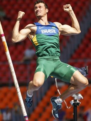 Carlos Chinin comemora sexto lugar no decatlo e já foca no Rio 2016  (Foto: Reuters)