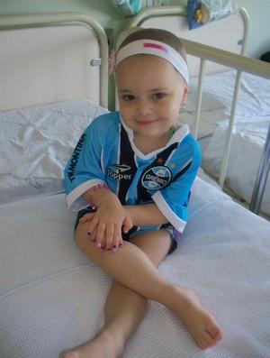 Gabrieli, portadora de leucemia e torcedora do Grêmio (Foto: Arquivo pessoal)