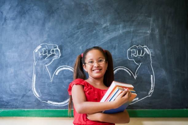 garota, menina, livros, escola, girl power (Foto: Thinkstock)