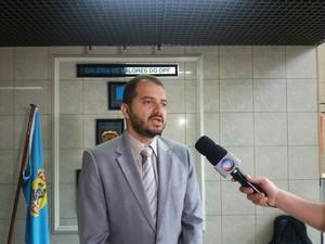 Delegado Marco Antonio está presidindo o inquérito (Foto: Suely Melo/G1)
