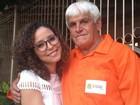 Após se tornar médica, filha de gari agradece apoio do pai: 'Melhor amigo'
