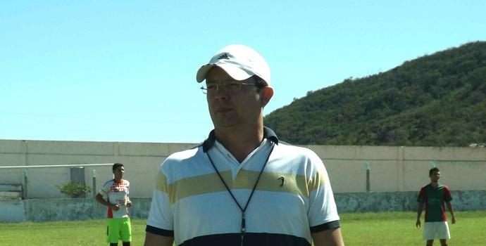 Tassiano Gadelha, técnico do Internacional de Teixeira (Foto: Hévilla Wanderley / GloboEsporte.com/pb)