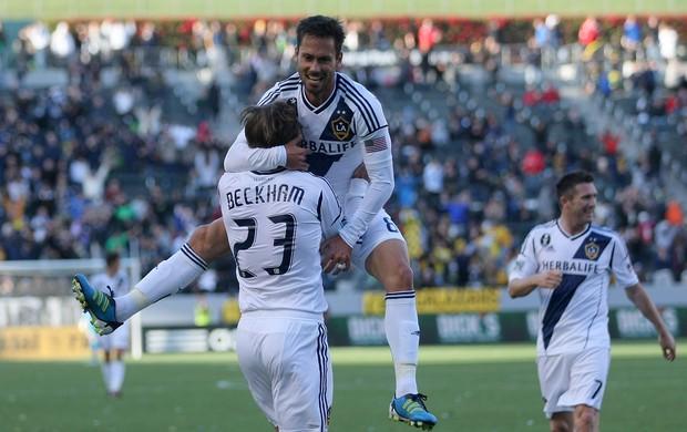 Brasileiro Marcelo com Beckham Los Angeles Galaxy (Foto: Getty Images)