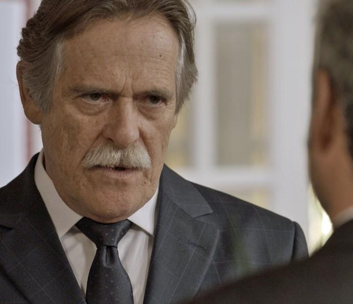 Gibson dá nova missão e é firme com ex-vereador (Foto: TV Globo)