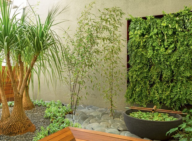 Inspire se em jardins de projetos comerciais cheios de for Grutas para jardines pequenos