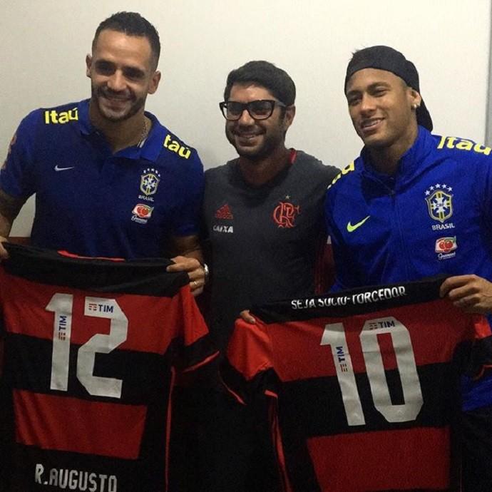 Ídolo nacional  Neymar coleciona camisas de clubes ao longo dos Jogos 3c8b5a8bfc05c