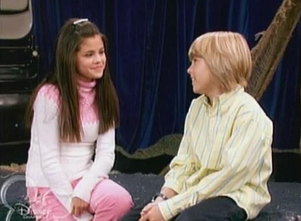 Selena Gomez e Dylan Sprouse em 'Zack & Cody: Gêmeos em Ação' (Foto: Reprodução)