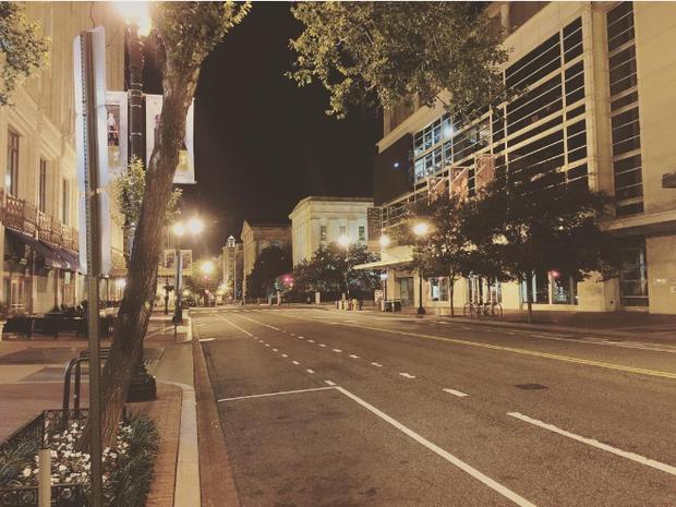 Rua deserta (Foto: Reprodução/Instagram @kenny_butt)