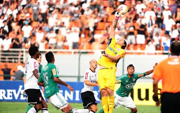 Cassio falha no gol do Palmeiras contra o Corinthians (Foto: Marcos Ribolli / Globoesporte.com)