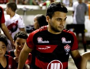 Maxi Biancucchi; Vitória (Foto: Felipe Oliveira/Divulgação/EC Vitória)