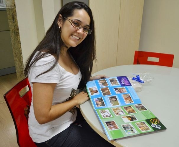 """Carla Amazonas completou o álbum """"50 Anos de Novelas"""" (Foto: Elson Mota / TV Sergipe)"""