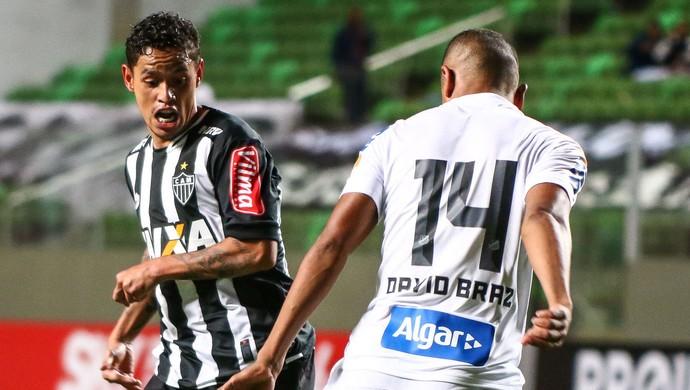 Carlos Eduardo estreou pelo Atlético-MG diante do Santos (Foto: Bruno Cantini /Flickr do Atlético-MG)