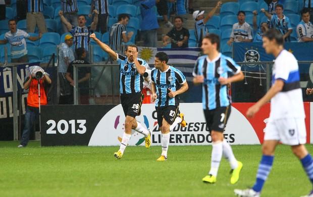 Barcos comemora como Pirata gol contra o Huachipato pela Libertadores (Foto: Lucas Uebel/Grêmio FBPA)