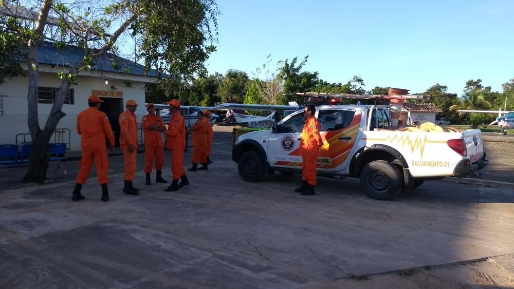Equipe com quatro mergulhadores do Corpo de Bombeiros viajou na manhã desta quinta-feira (15) para resgatar o piloto desaparecido (Foto: Corpo de Bombeiros/Divulgação)